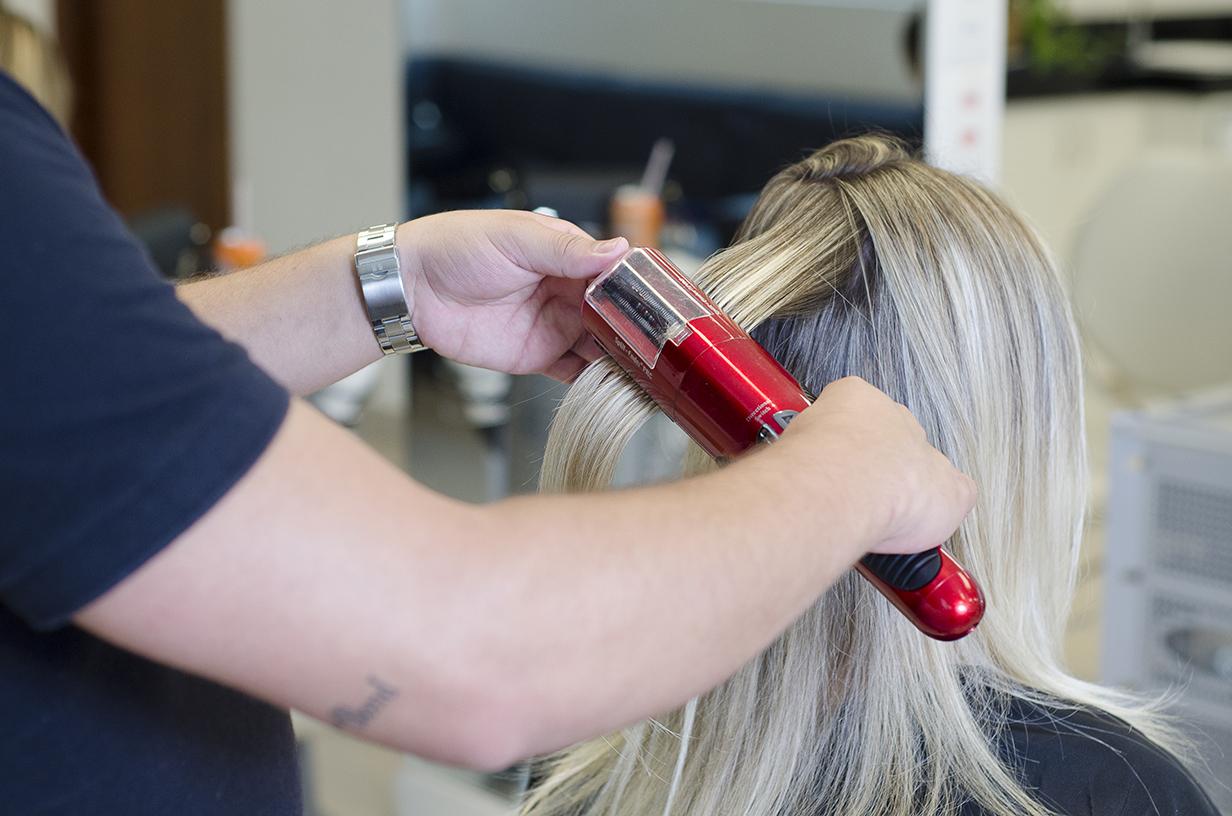 Qual o valor do corte de cabelo bordado